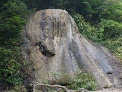 天狗の岩(夏油温泉の石灰華・国指定特別天然記念物)