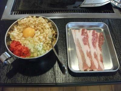 関西風お好み焼きの豚玉(お好み焼き450円+豚肉トッピング120円)