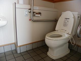 九年橋せせらぎ公園トイレC棟 障がい者用トイレ