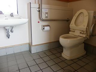 九年橋せせらぎ公園トイレB棟 障がい者用トイレ