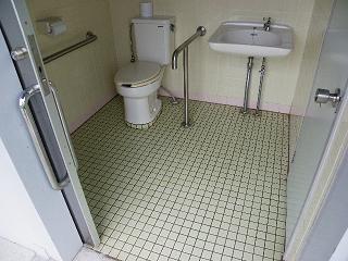 和賀川ふれあい広場障がい者用トイレ