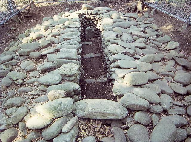 猫谷内1号墳の石室